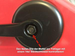 Kurbelschraube am Heimtrainer Fahrrad kontrollieren