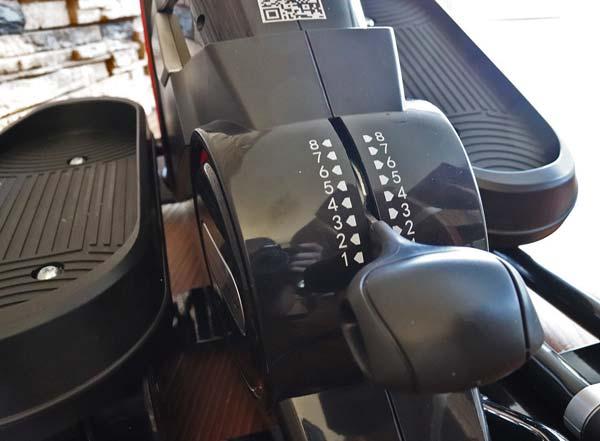 Einstellhebel am Sportstech Mini-Heimtrainer