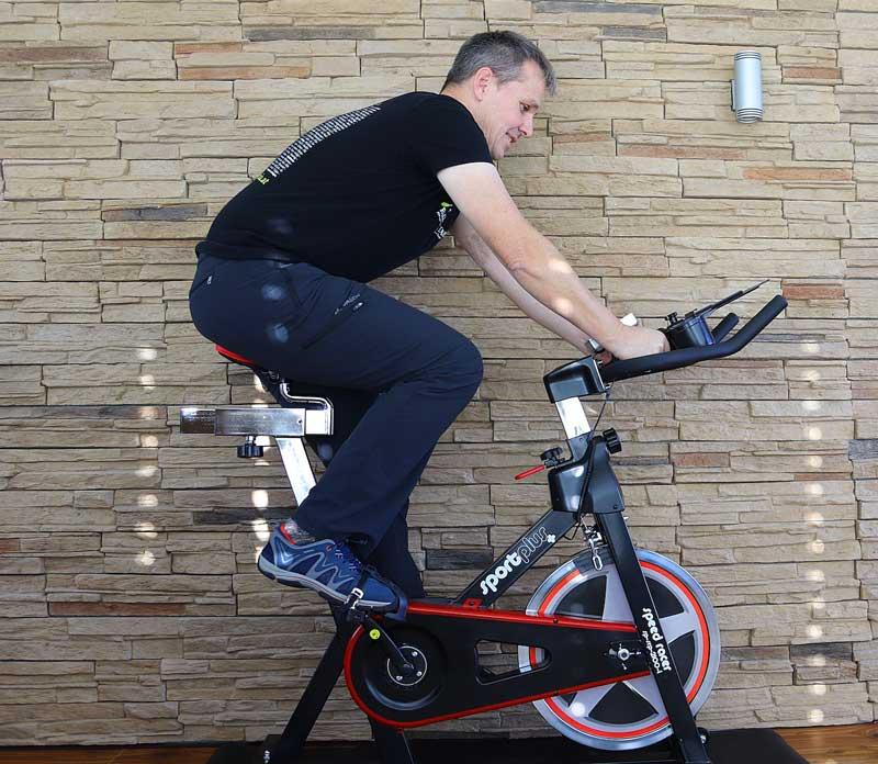 Erste Testfahrt auf dem Sportplus Spinning Bike