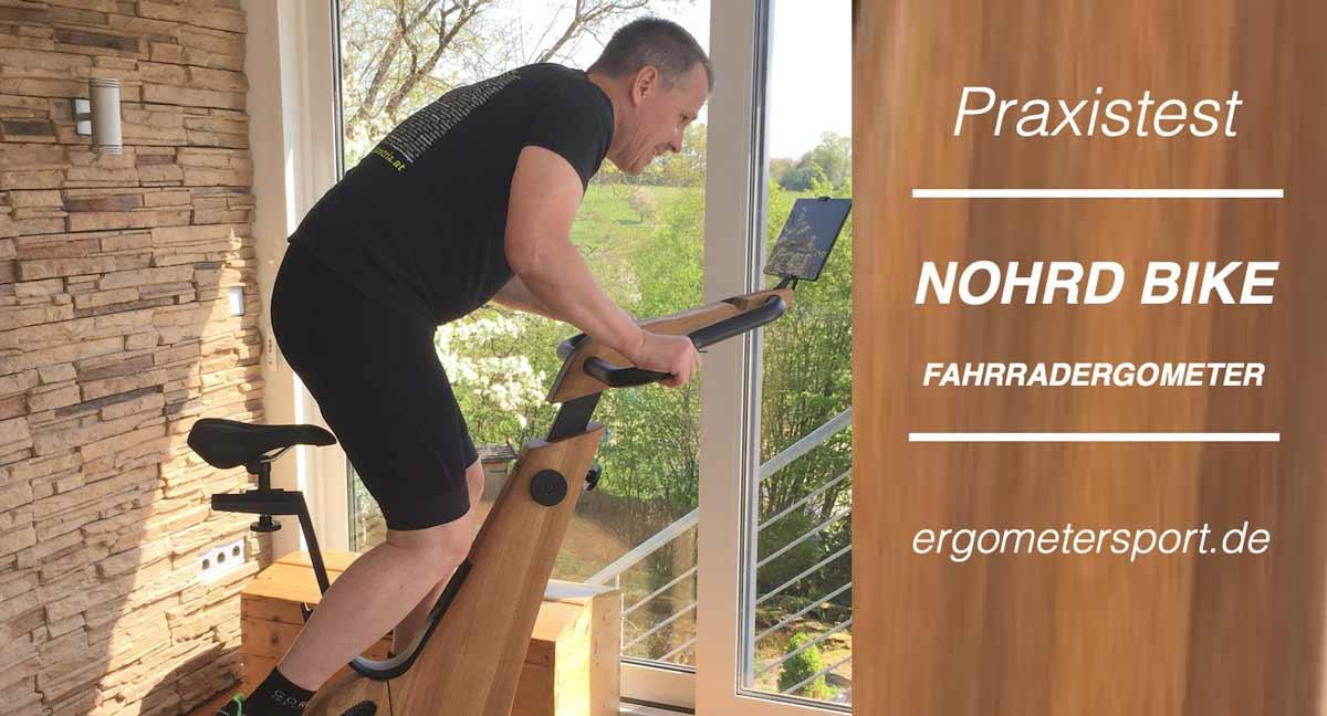 Das Bild zeigt Armin beim testen des Nohrd Bike Ergometers