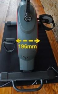 Das Bild zeigt den Q-Faktor am Hop Sport HS-095H Ergometer