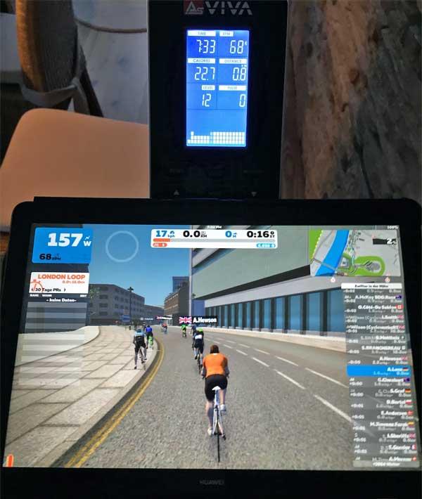 Asviva S17 Trainingscomputer und Tablet mit Zwift