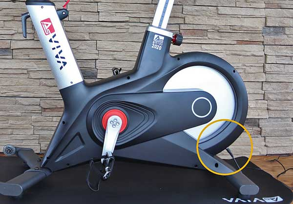 Das Bild zeigt den Stromanschluß am Asviva S17 Speedbike