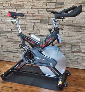 Das Bild zeigt das Sportstech SX400 Indoor Bike